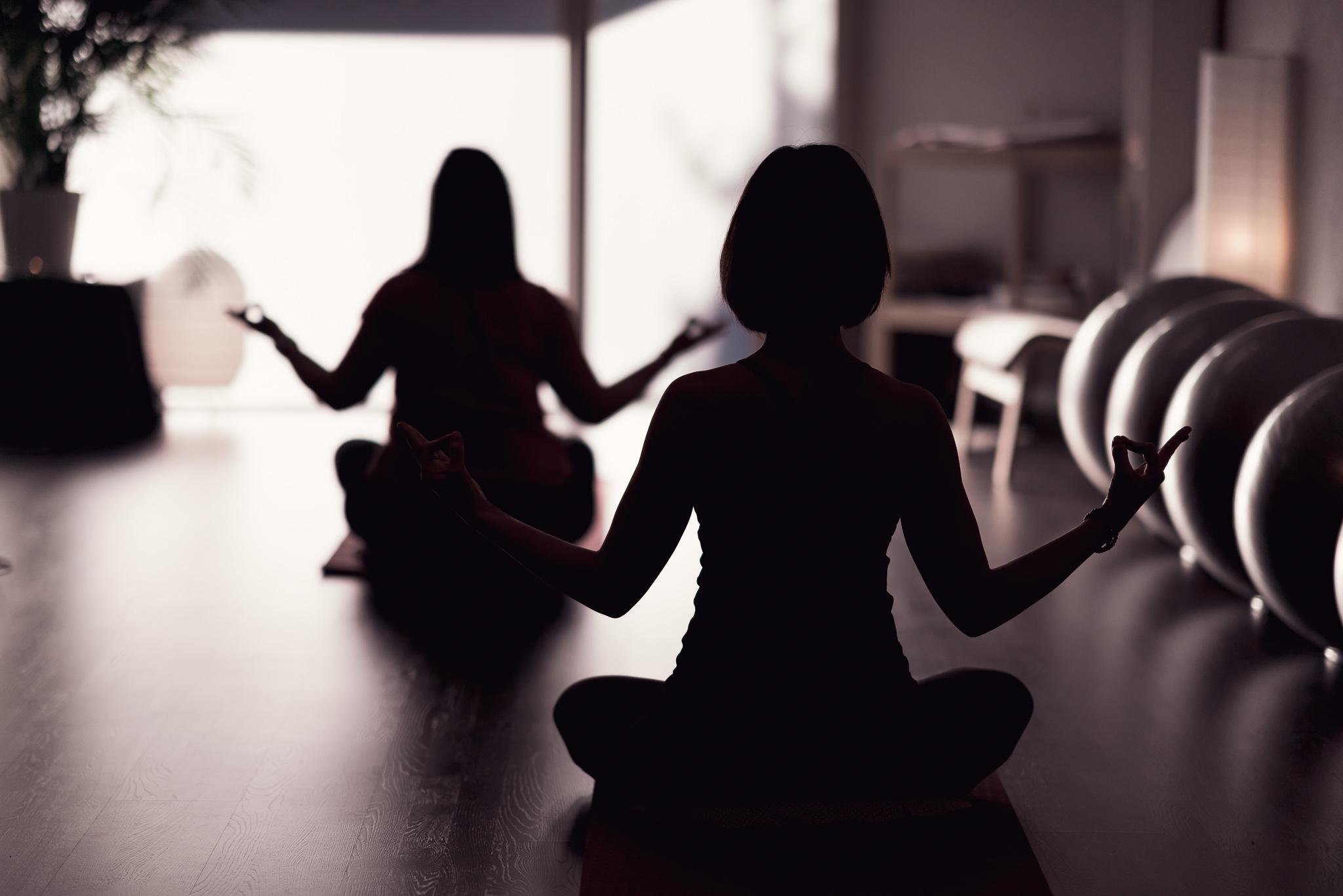 yoga féminin