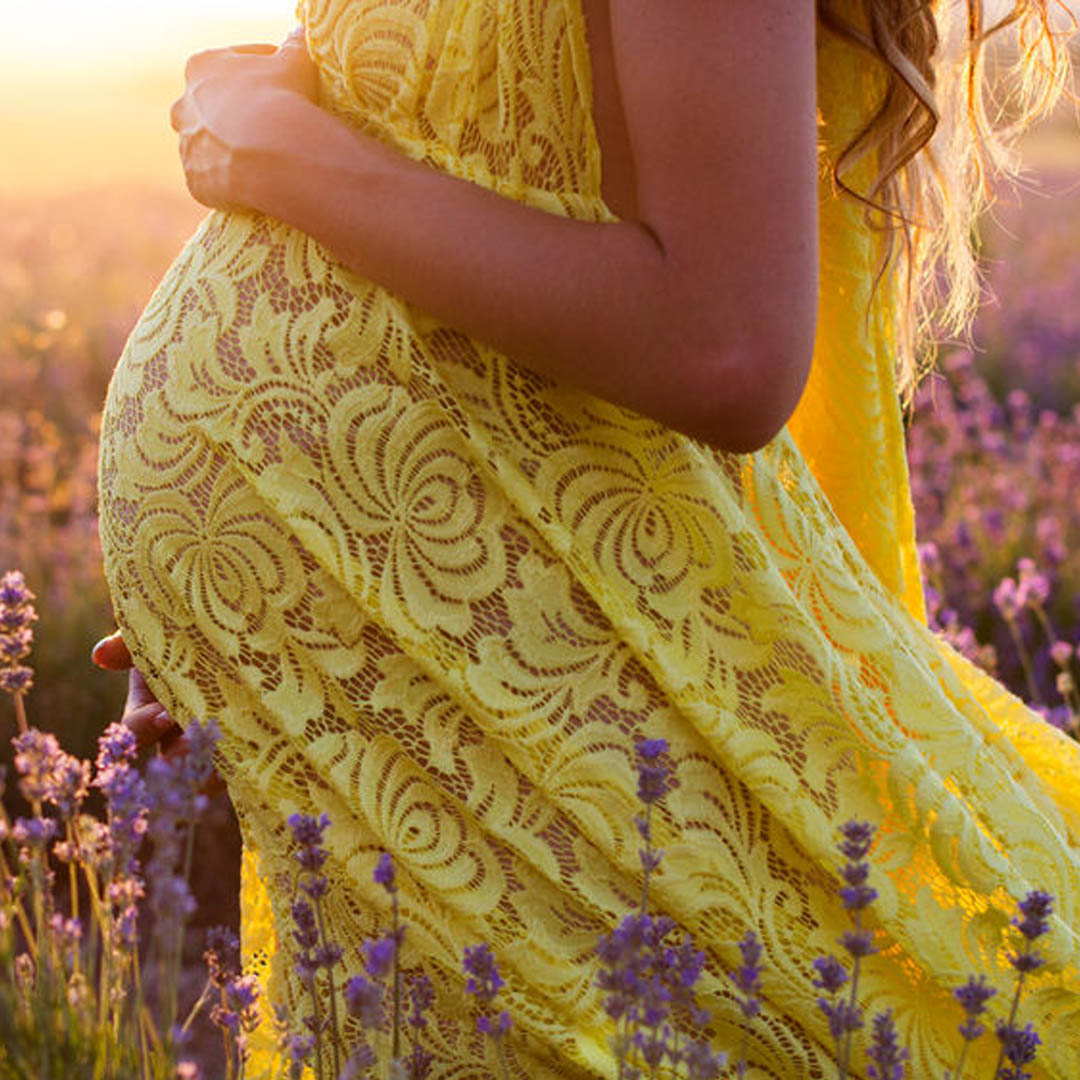 Huiles essentielles Grossesse - Blog - Fée'minitude